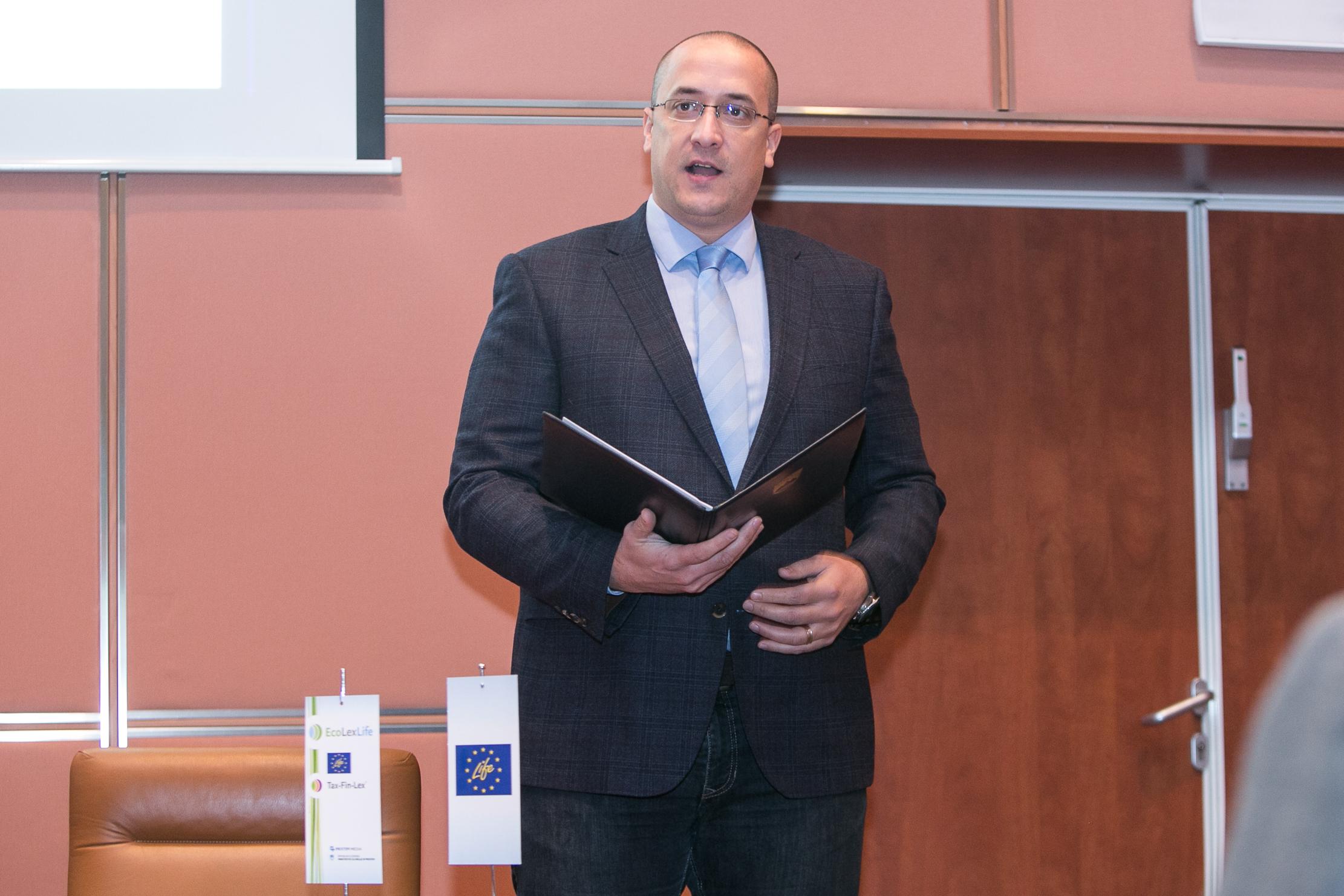 Zbrane na specializirani delavnici »Obvladovanje okoljske odgovornosti« je nagovoril tudi minister za okolje in prostor Jure Leben in izpostavil: »Delavnice kot je današnja izboljšajo učinkovitost okoljskega prava. Z optimizmom me navdaja takšna številčna udeležba. Največji izziv pri ohranjanju zelene Slovenije je namreč ozaveščanje, pri tem ohranjanju pa vsak od nas igra odločilno vlogo. Tu ne mislim le podjetja, ampak mora vsak posameznik prevzeti breme morebitnega onesnaževanja.«